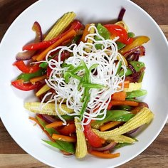 Stir-fried vegetables with crispy noodles