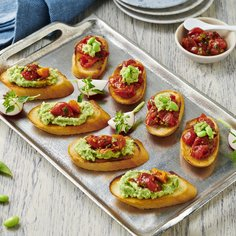 Bruschetta with edamame and semi-dried tomatoes