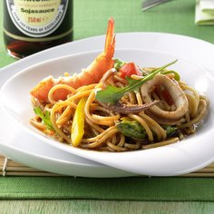 Shoyu spaghetti, seafood and vegetable salad