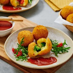 Vegetable croquettes with a tomato and soy sauce
