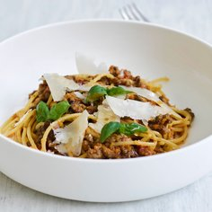 Quick Bolognese with umami kick